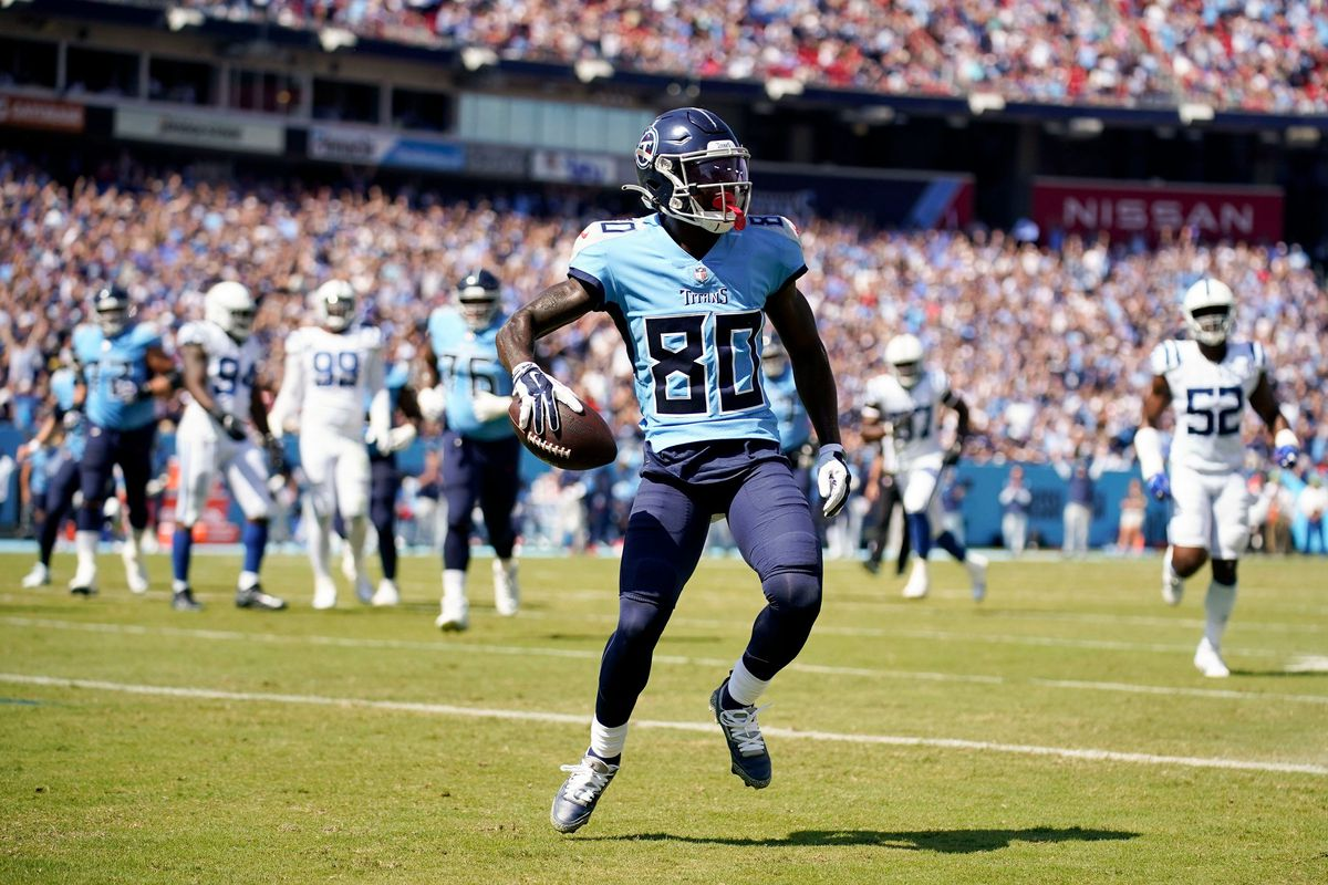 Tennessee Titans wide receiver Chester Rogers (80) celebrates a touchdown during the first quarter against the Colts at Nissan Stadium Sunday,