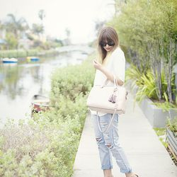"""Liz of <a href=""""http://www.lateafternoonblog.com/2013/03/dressed-up-baggies.html"""">Late Afternoon</a> is wearing a Zara top, <a href=""""http://www.supermuse.com/awesome-baggies/"""">Supermuse jeans</a>, <a href=""""http://www.rachelroy.com/Dal/110381094,default,pd"""