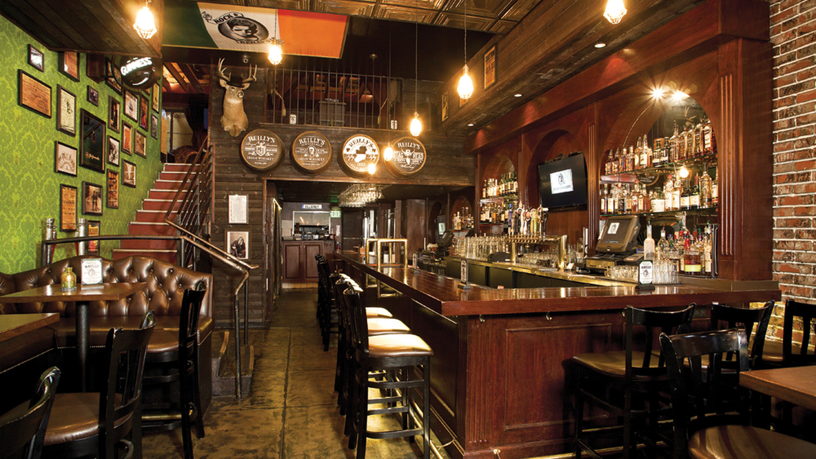 Rock And Reilly S Brings Raucous Irish Pub To Downtown La