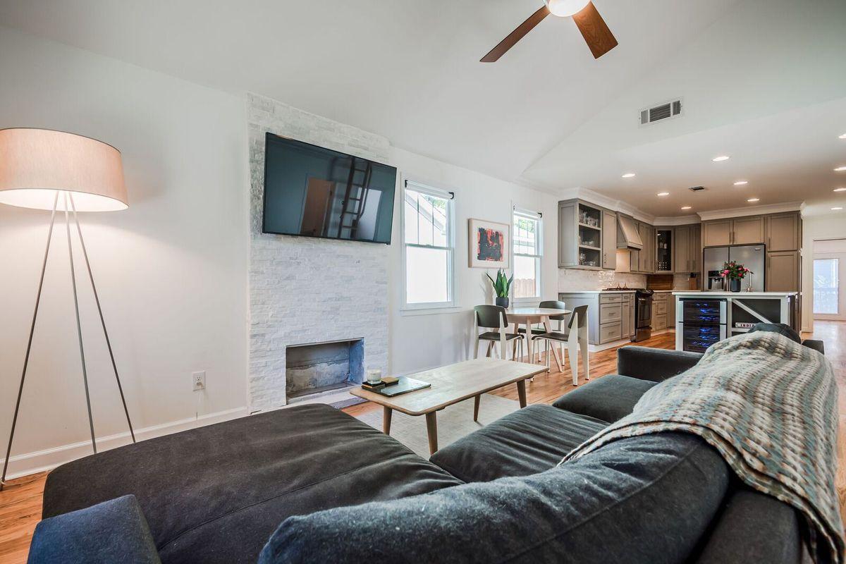 $479K Grant Park Bungalow Juxtaposes Vaulted Ceilings