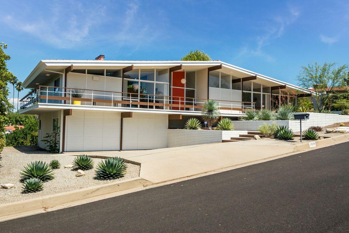 glassy midcentury modern in palos verdes estates seeks  1 8m