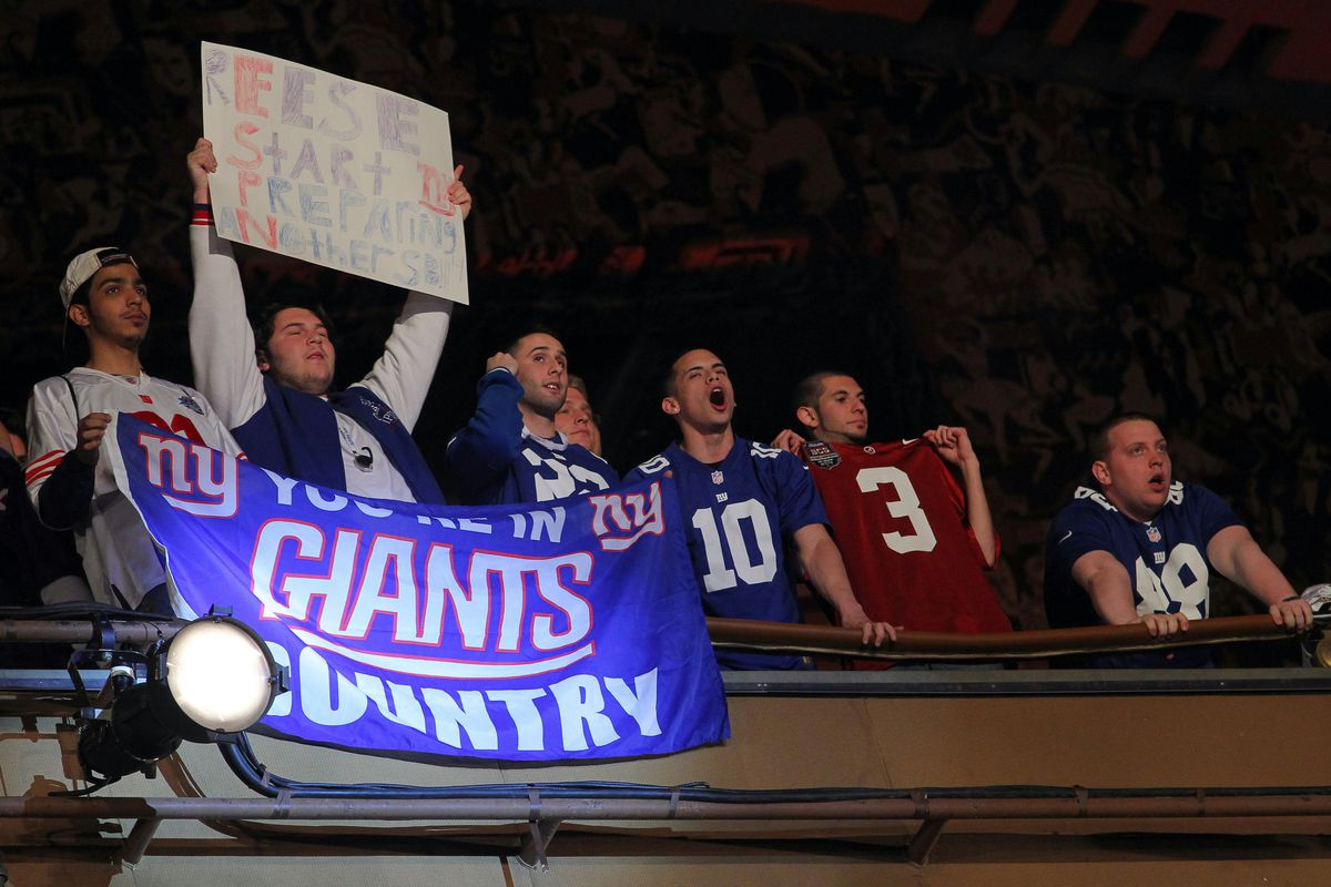Giants fans at Radio City Music Hall react to the selection of Justin Pugh