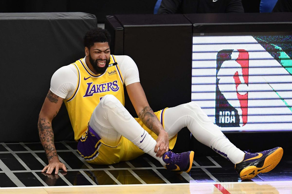 LA Clippers defeat the Los Angeles Lakers 118-94 during a NBA basketball game.