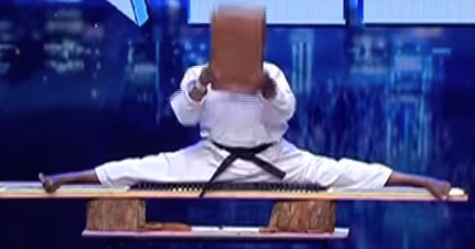 Contestant slams a brick over his head and KO's himself on Sri Lanka's Got Talent