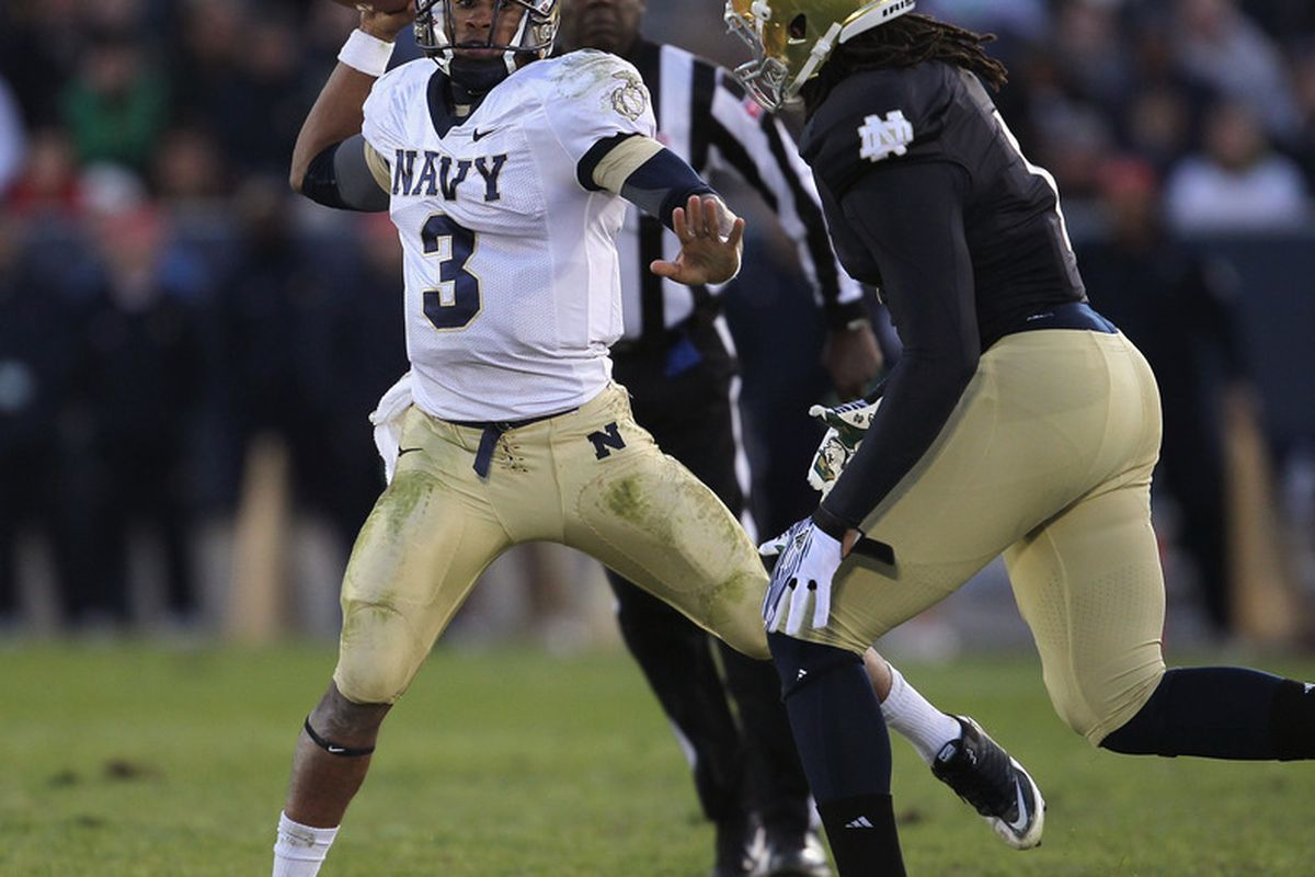 <strong>Ishaq Williams hunts down Trey Miller in last year's game between Navy and Notre Dame.</strong> (Photo by Jonathan Daniel/Getty Images)