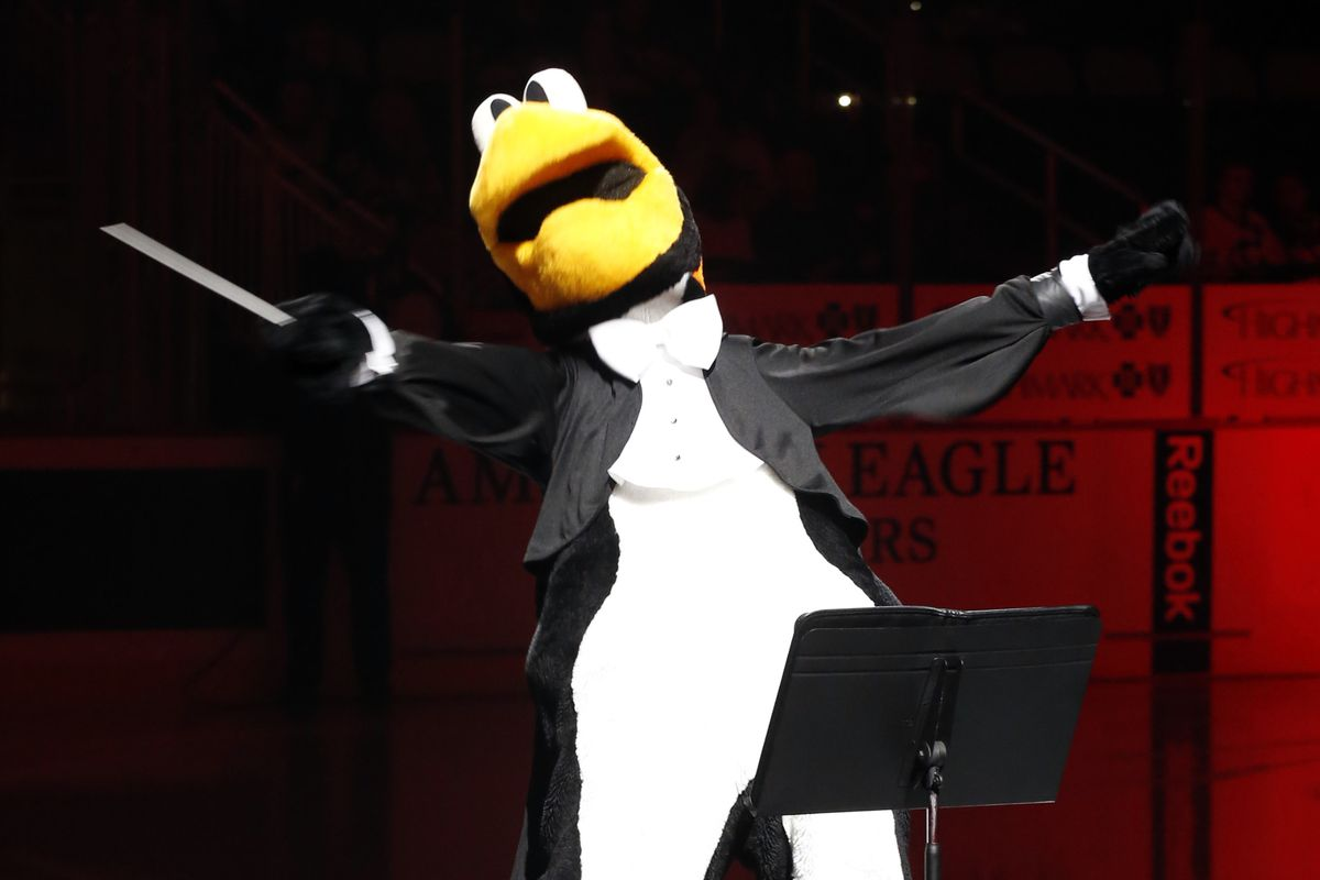 In lieu of a game picture featuring the first place team in the division, have a picture of the first place team's mascot.