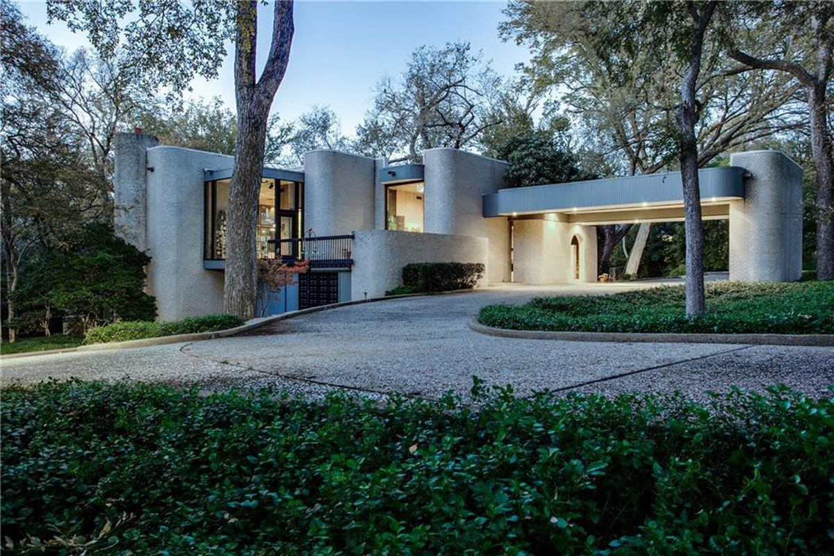 Midcentury brutalist beauty wows in dallas wants 2 3m for Contemporary houses in dallas for sale