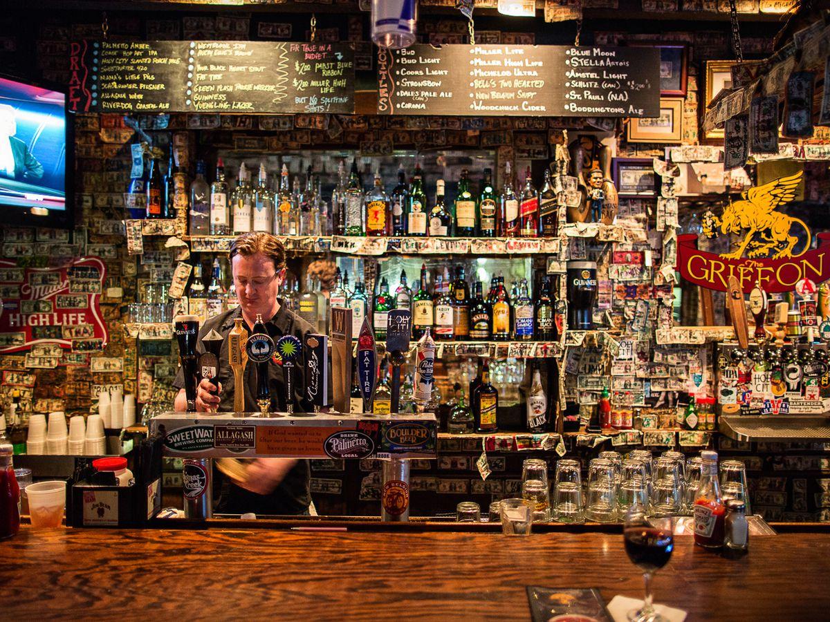 Hide In The 11 Best Dive Bars In Charleston