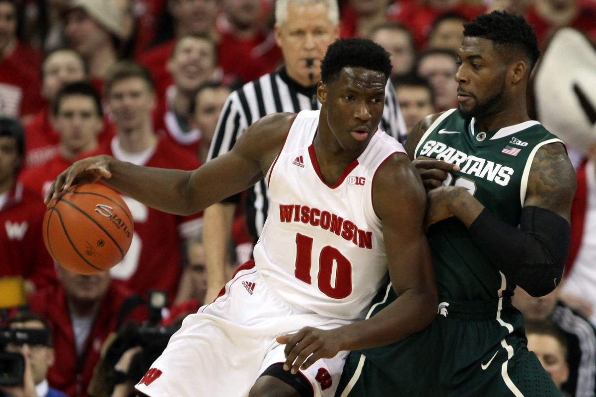 Hayes (right) looks to build on a solid sophomore season at Wisconsin