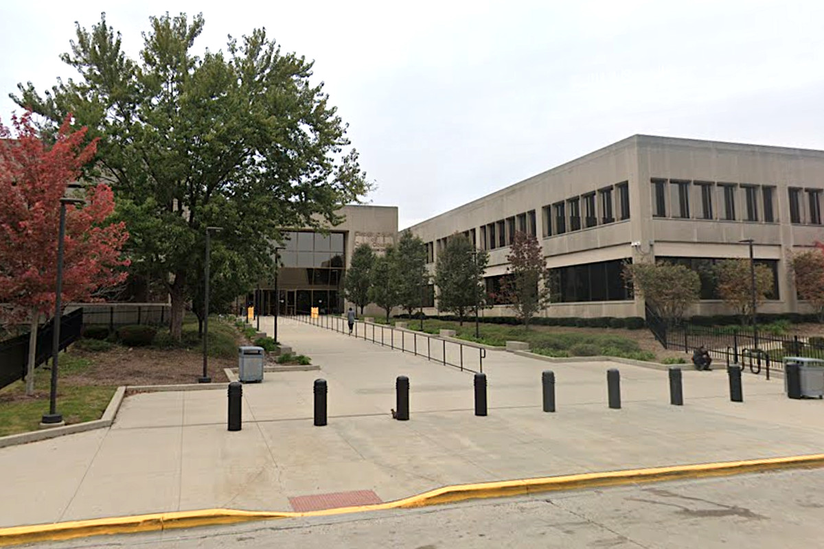 Two judges who at the courthouse in southwest suburban Bridgeview have tested positive for the coronavirus, officials announced May 28, 2020.