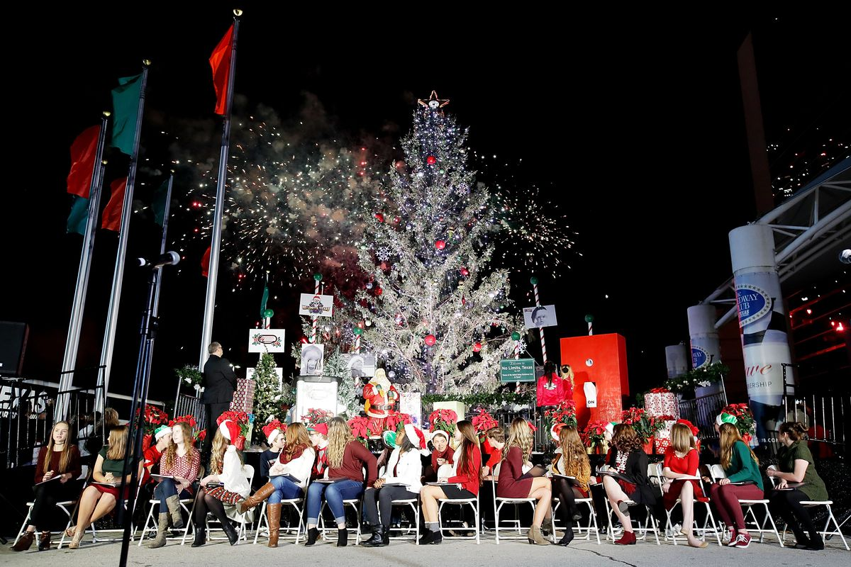 TMS Annual Tree Lighting and Grant Ceremony