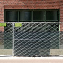 11:21 a.m. The inner doors closed at Gate Q, on Sheffield Avenue -
