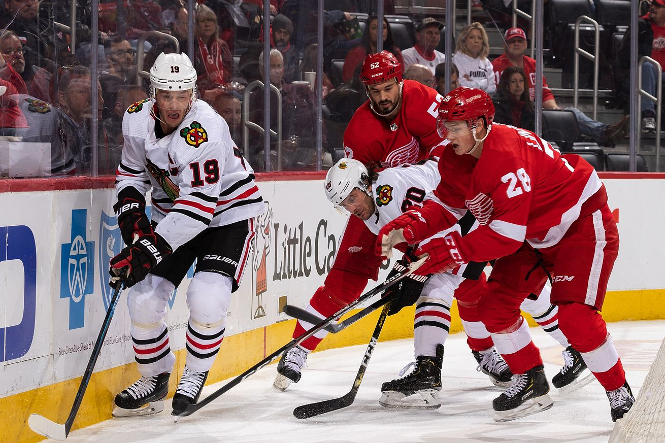 Blackhawks falter in 2-1 loss to Red Wings