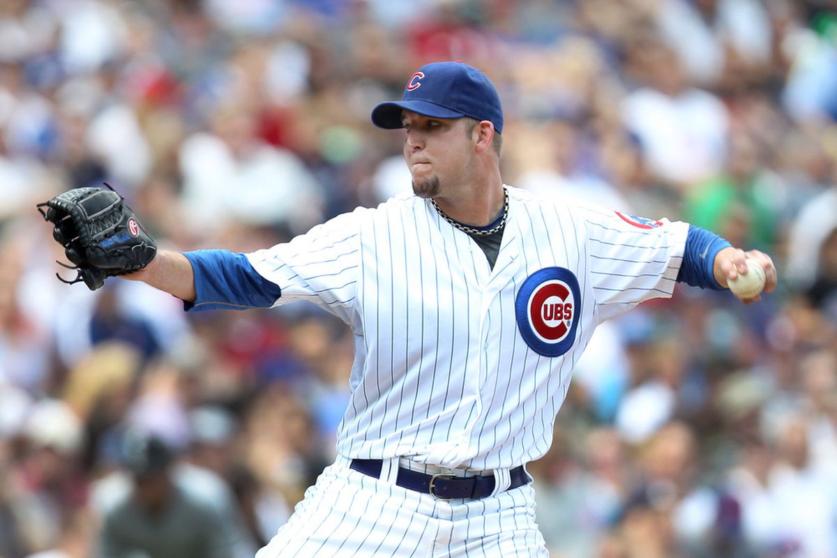 Paul Maholm of Chicago Cubs pitches against the Chicago White Sox during the Inter-league game at Wrigley Field in Chicago, Illinois. (Photo by Mike McGinnis/Getty Images)