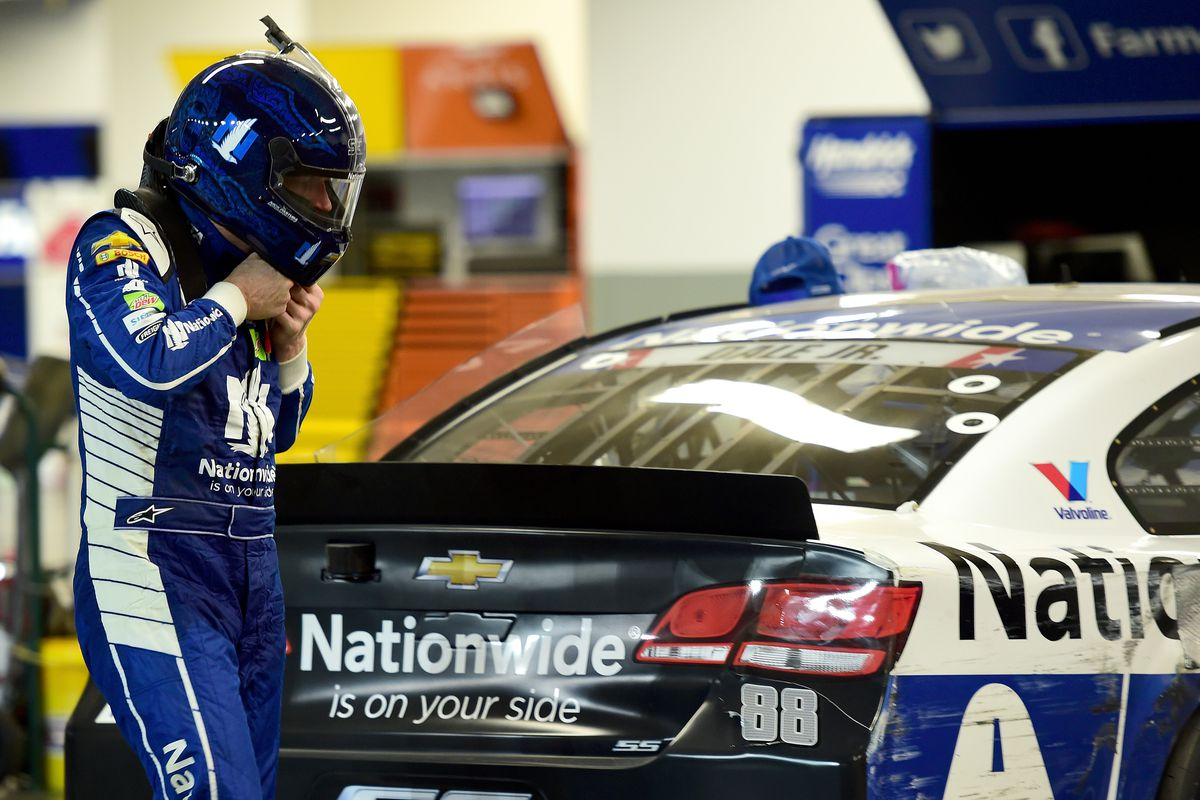 Dale earnhardt jr falls short of win in final cup series race at daytona