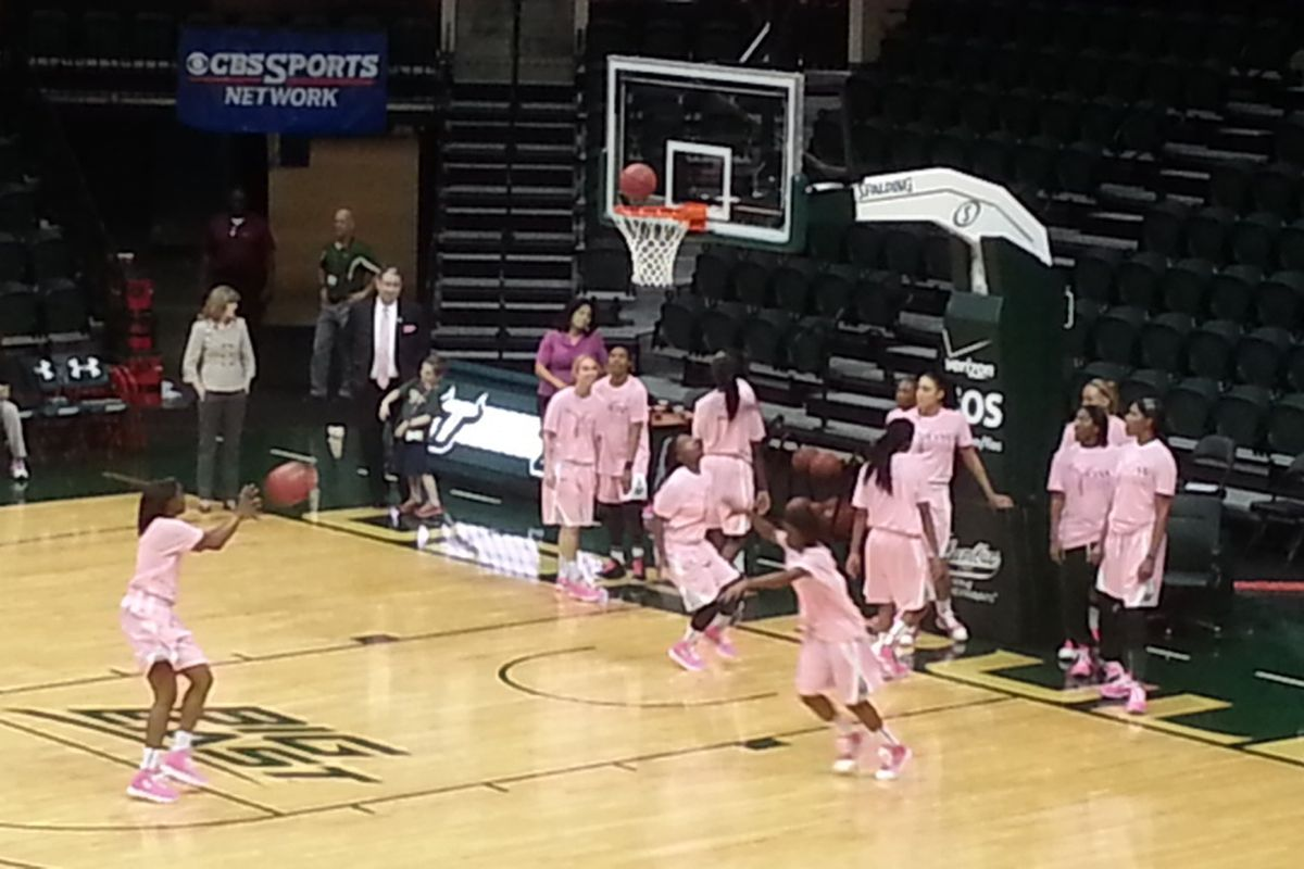 Live during warmups! Hey we finally found a way to get women's hoops pics!