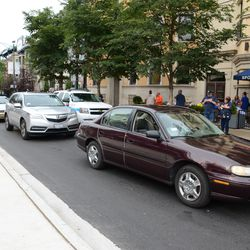 5:30 p.m. Cars still trapped on Sheffield, before the street was closed off -