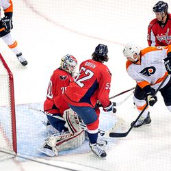 Knuble Doing What Knuble Does For Flyers
