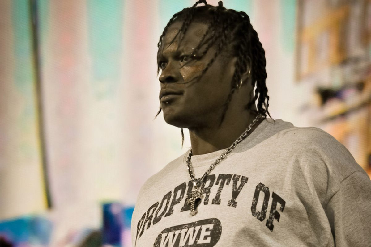 Tlc Results R Truth Suffers Nasty Cut On His Knee Graphic Pic