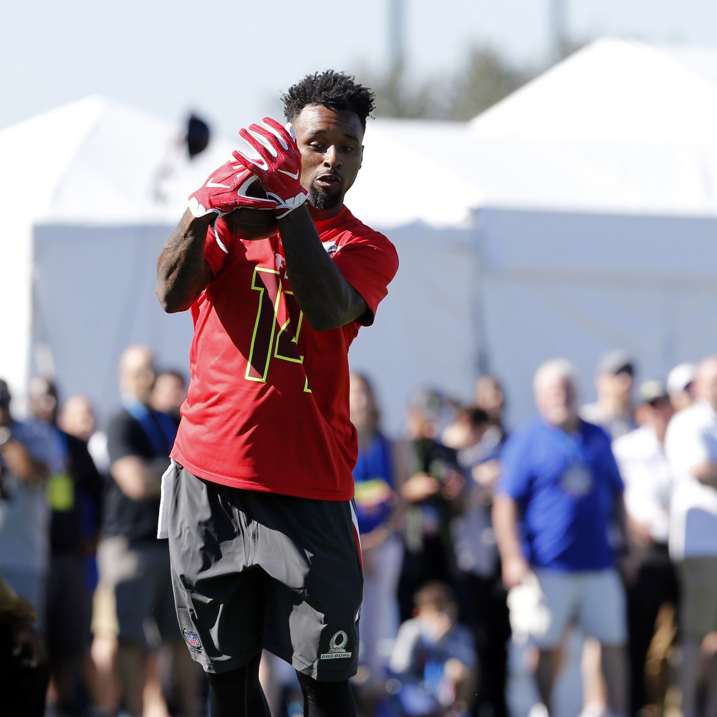 size 40 6898c f70bd Jarvis Landry owns 'Best Hands' at Pro Bowl - The Phinsider