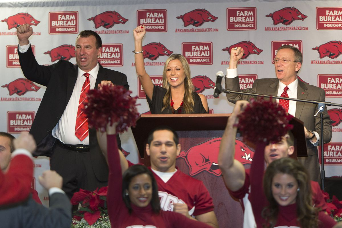 Bielema had some help from his wife on his first Hog Call