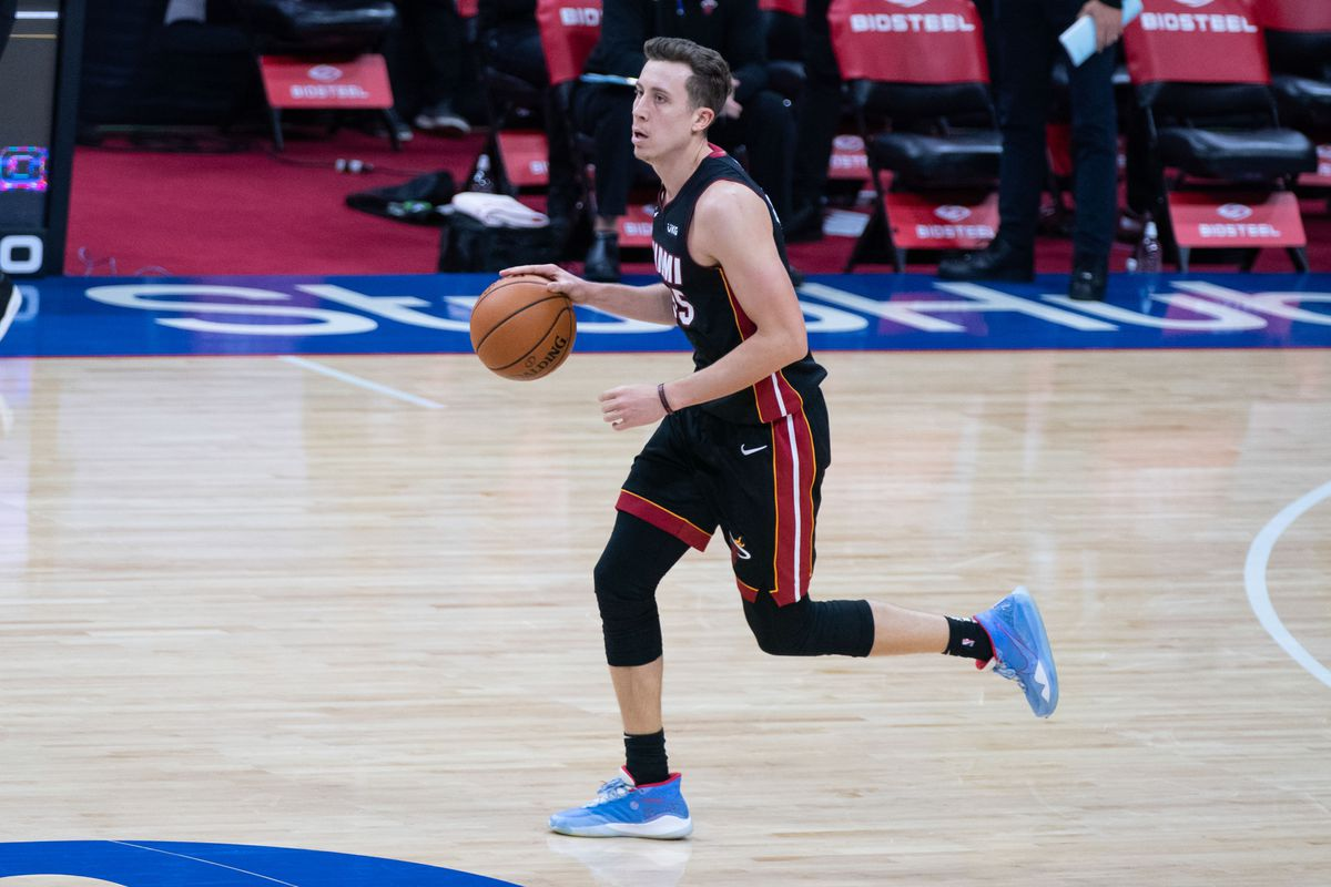 Miami Heat shooting guard Duncan Robinson dribbles the ball up the court during the second half against the Philadelphia 76ers at Wells Fargo Center.