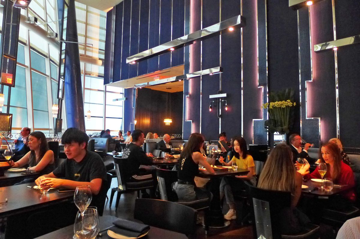 Midtown Chinese Restaurant Hutong Serves A Superb And