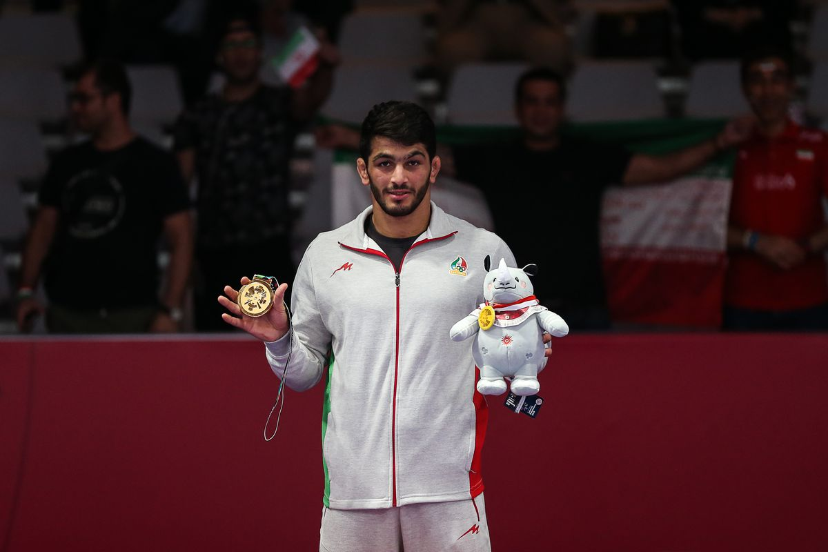Hassan Yazdani Charati poses with his gold medal at the 2018 Asian Games.