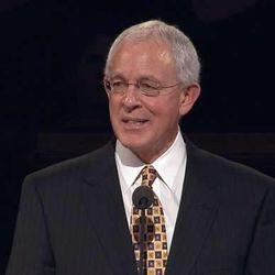 Elder Marlin K. Jensen speaks during general conference in 2007.