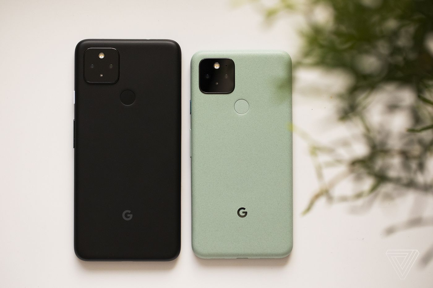 Cyber Monday Deals On Phones Save On The Google Pixel 5 Samsung Galaxy S20 Oneplus 8 And More The Verge