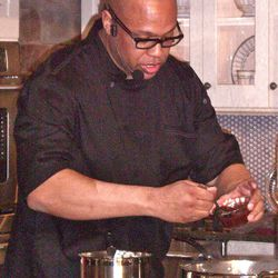 Food Network Chef Jeff Henderson during a class at the 45th Pillsbury Bake-Off Contest in Orlando. (Photo by Valerie Phillips)