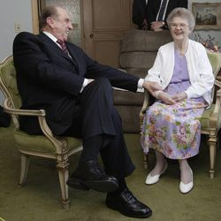 President Thomas S. Monson and wife Francis meet with 100-year-old Thelma Fetze and her family in Salt Lake City, Utah, Friday, April 9, 2010. Jeffrey D. Allred, Deseret News