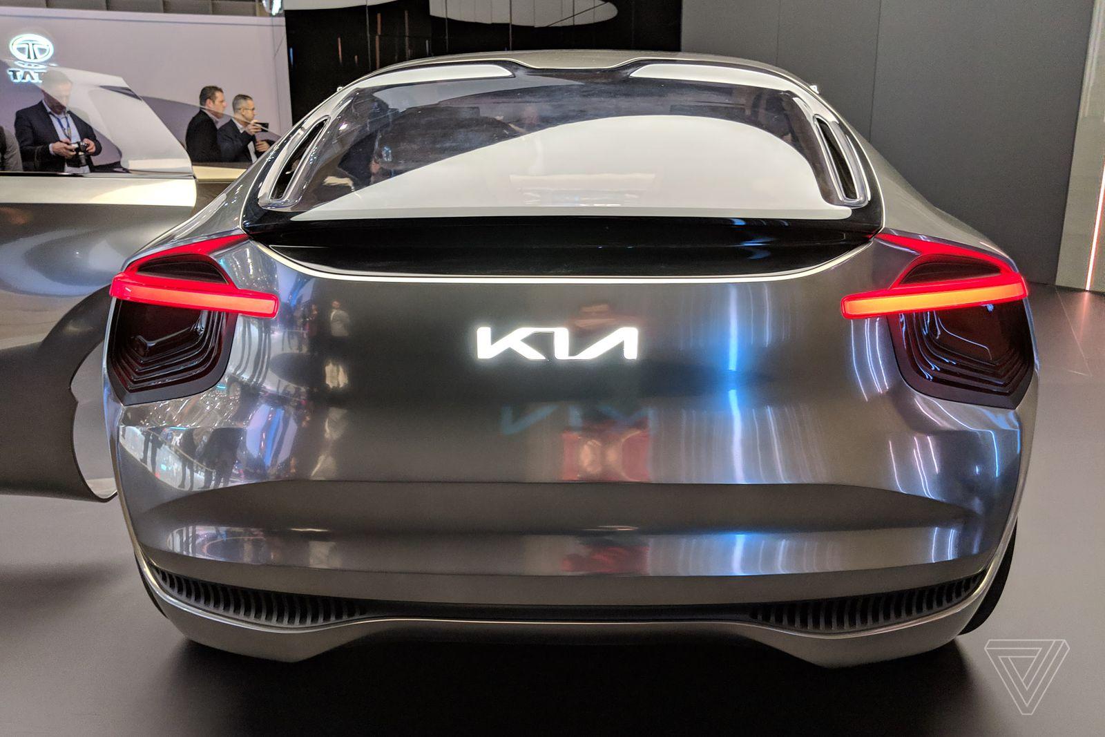 Chiêm ngưỡng concept xe KIA cực dị: có tới 21 màn hình điều khiển - Ảnh 22.