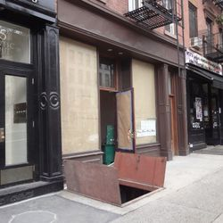 """Colonie <a href=""""http://www.brownstoner.com/brownstoner/archives/2010/10/wine_bar_and_re.php"""" rel=""""nofollow"""">Brownstoner</a>"""