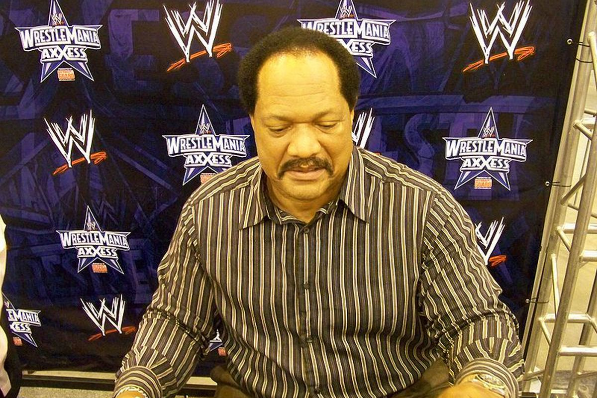 8d7167de On this date in history: Ron Simmons becomes first black man to win WCW  heavyweight title