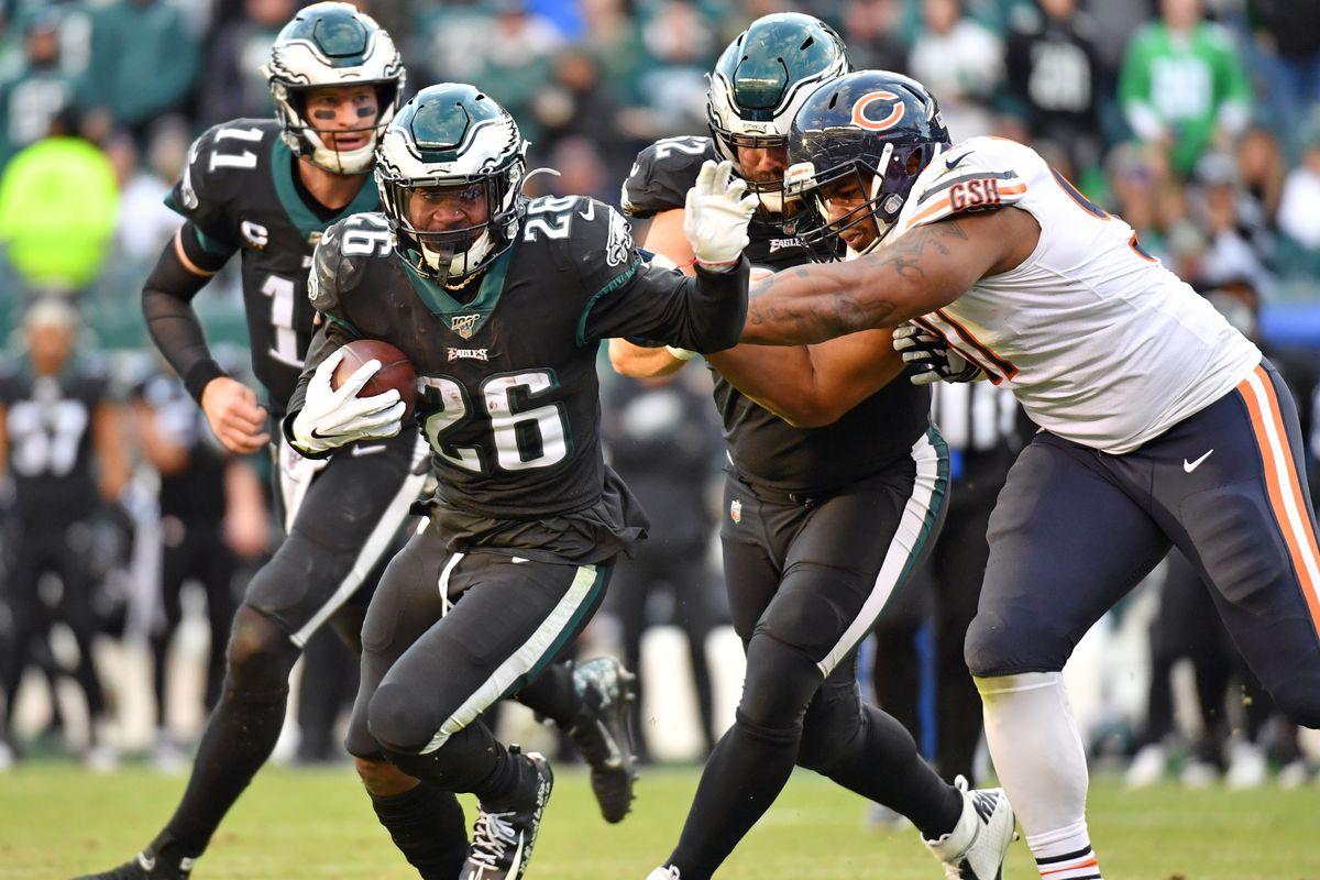 Philadelphia Eagles running back Jordan Howard runs past Chicago Bears nose tackle Eddie Goldman during the fourth quarter at Lincoln Financial Field.