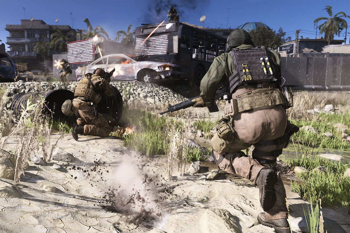 A player runs forward into combat in Call of Duty: Modern Warfare