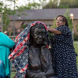 Unveiling of Gwendolyn Brooks' sculpture at the Gwendolyn Brooks Park.   Erin Brown/Sun-Times