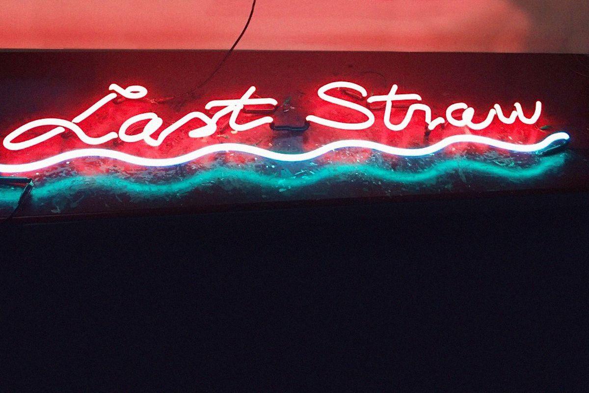 Last Straw's neon signage