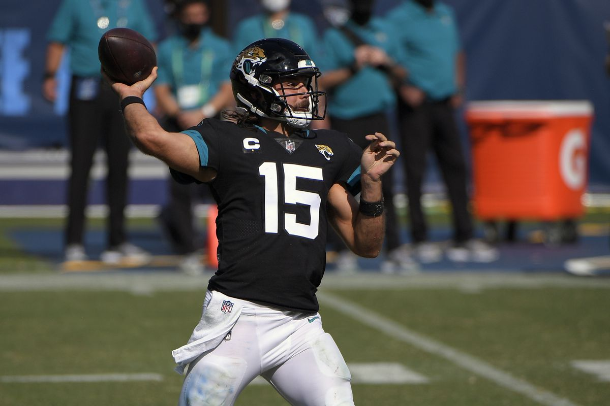 Jacksonville Jaguars quarterback Gardner Minshew throws a pass against the Tennessee Titans during the second half at Nissan Stadium.