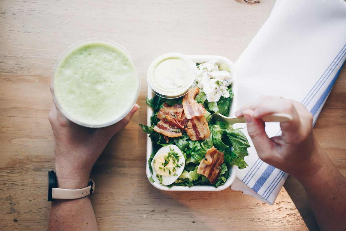 Juice and food from Jugo