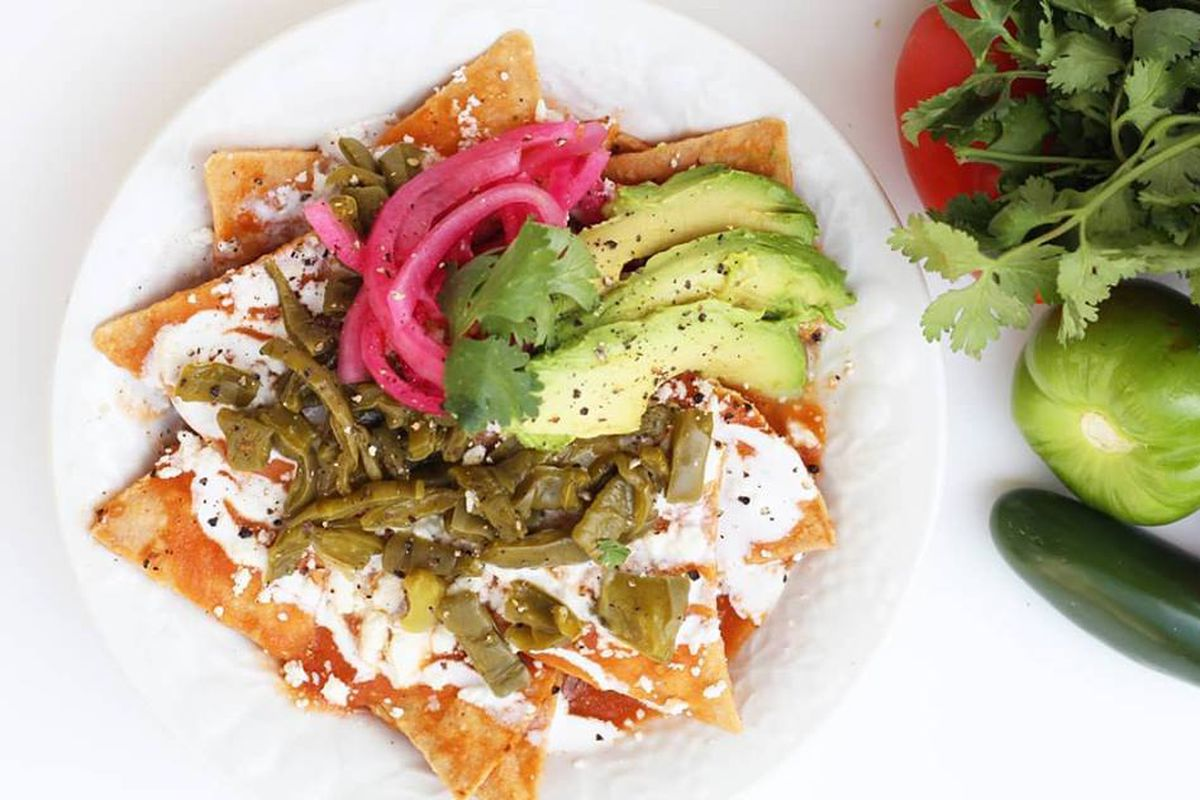 Chilaquiles Dedicated Food Truck Is Now Open Near Campus Eater Austin