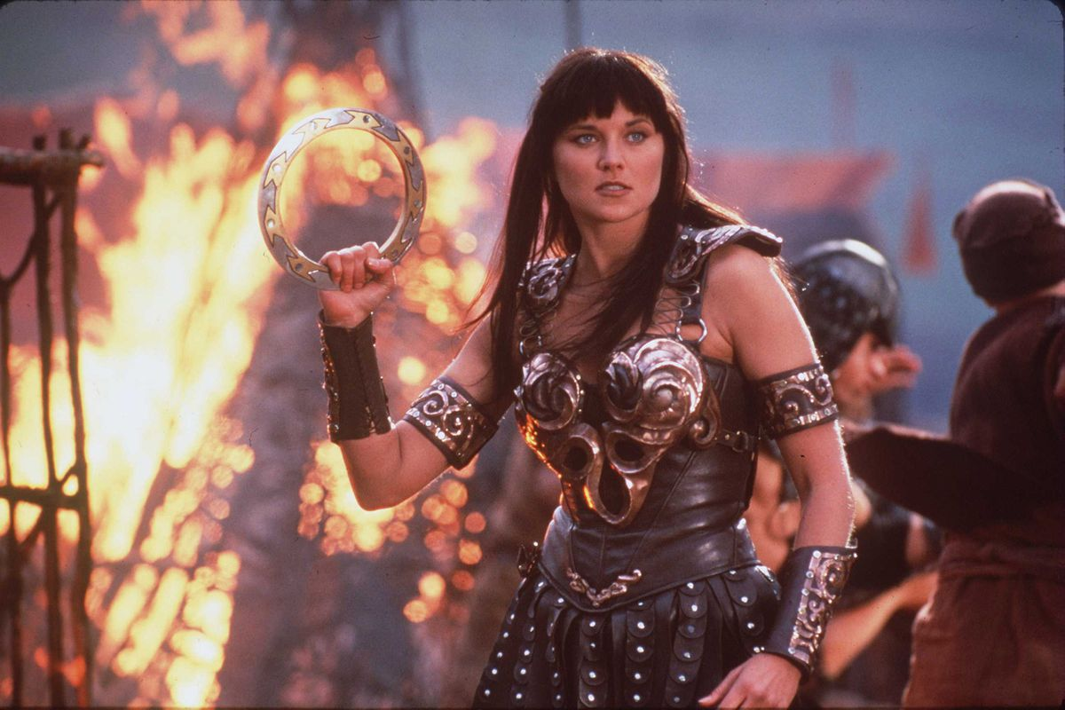 Xena (Lucy Lawless) prepares for battle in a screenshot from Xena: Warrior Princess