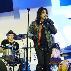 Alice Cooper performs. Photo: Denise Truscello/WireImage