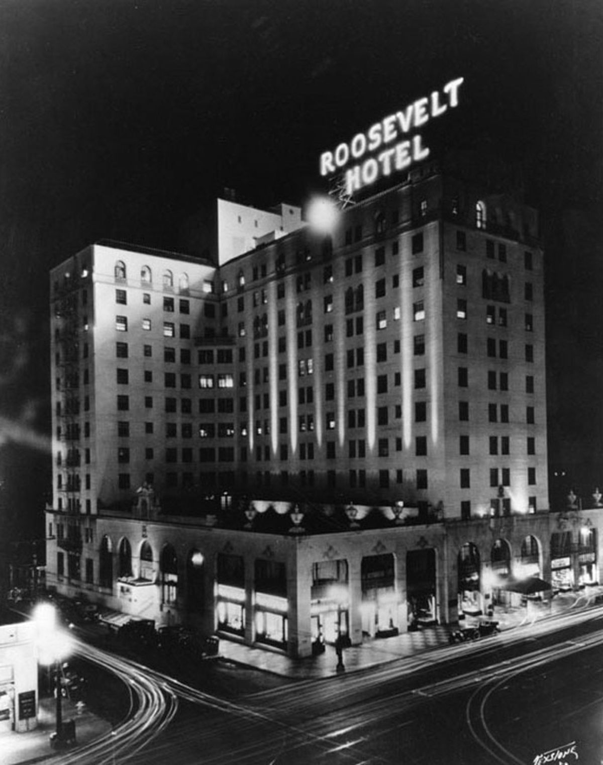 Meet The Ghosts At Los Angeles S Most Haunted Hotels