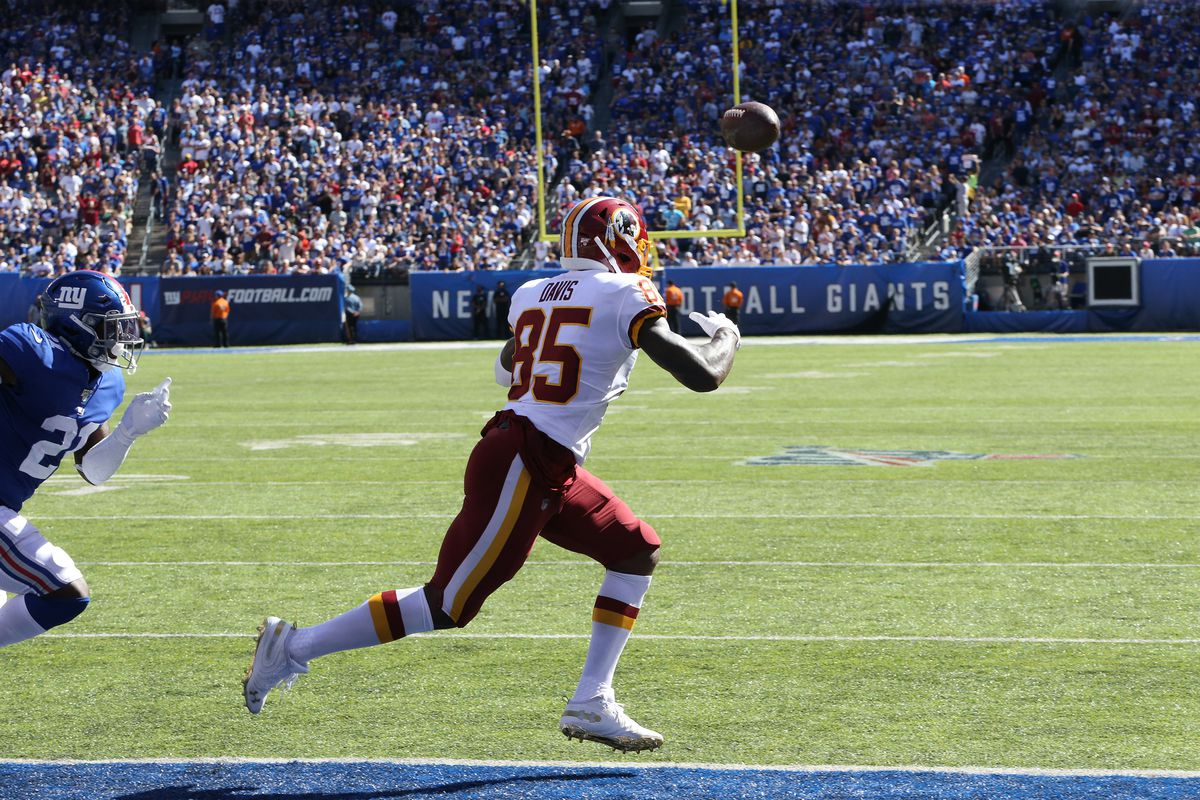 Washington tight end Vernon Davis reaches for a pass against the New York Giants in the first half at MetLife Stadium on September 29, 2019 in East Rutherford, New Jersey.