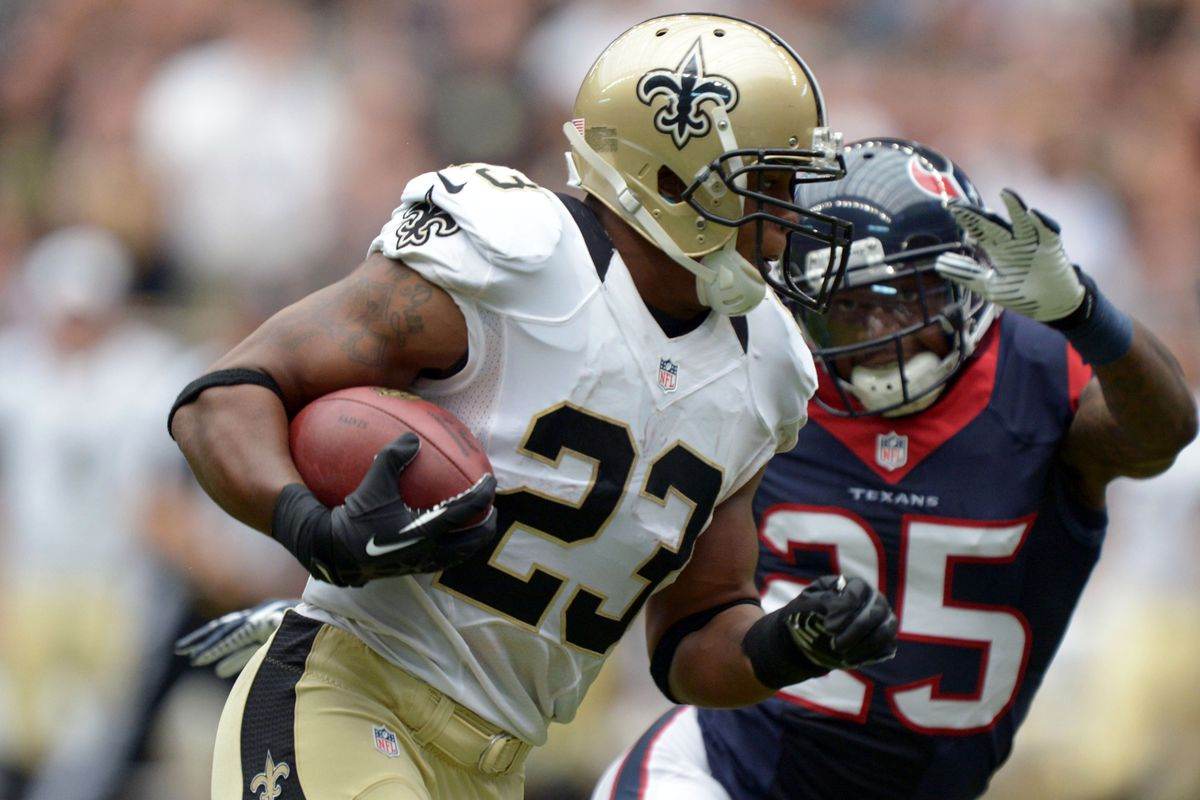 Pierre Thomas hit the field for the first time this preseason on Sunday, taking this pass 51 yards for a TD.