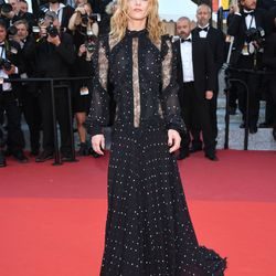 Vanessa Paradis wears an Elie Saab fall 2016 gown at the premiere of 'From the Land of the Moon.'