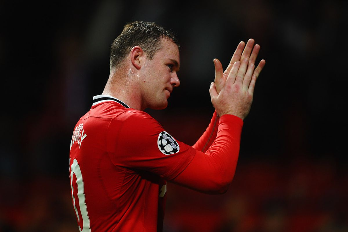 Will Wayne Rooney drop back into the center of the park again versus Sunderland?
