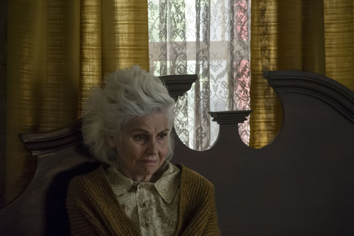 I AM THE PRETTY THING THAT LIVES IN THE HOUSE — PRODUCTION STILL
